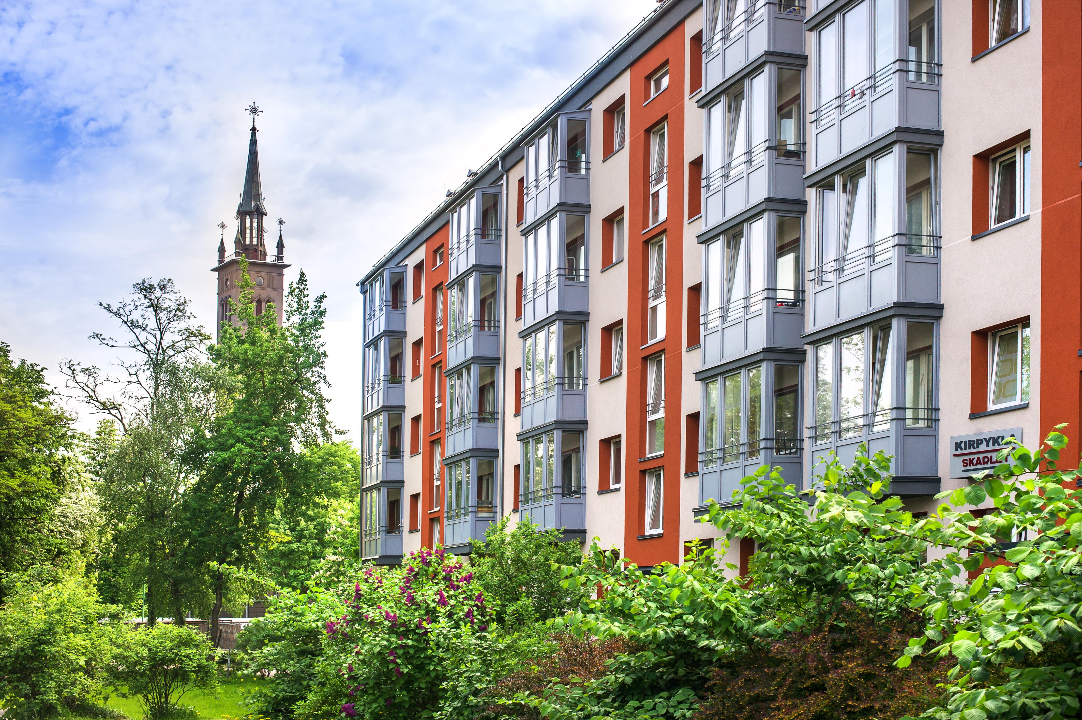 Taikos pr. Klaipėdoje daugiabučių namų renovacija